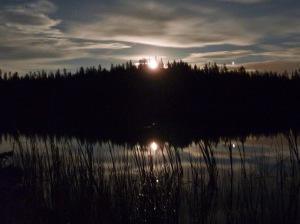moonrise over Triangle Lake